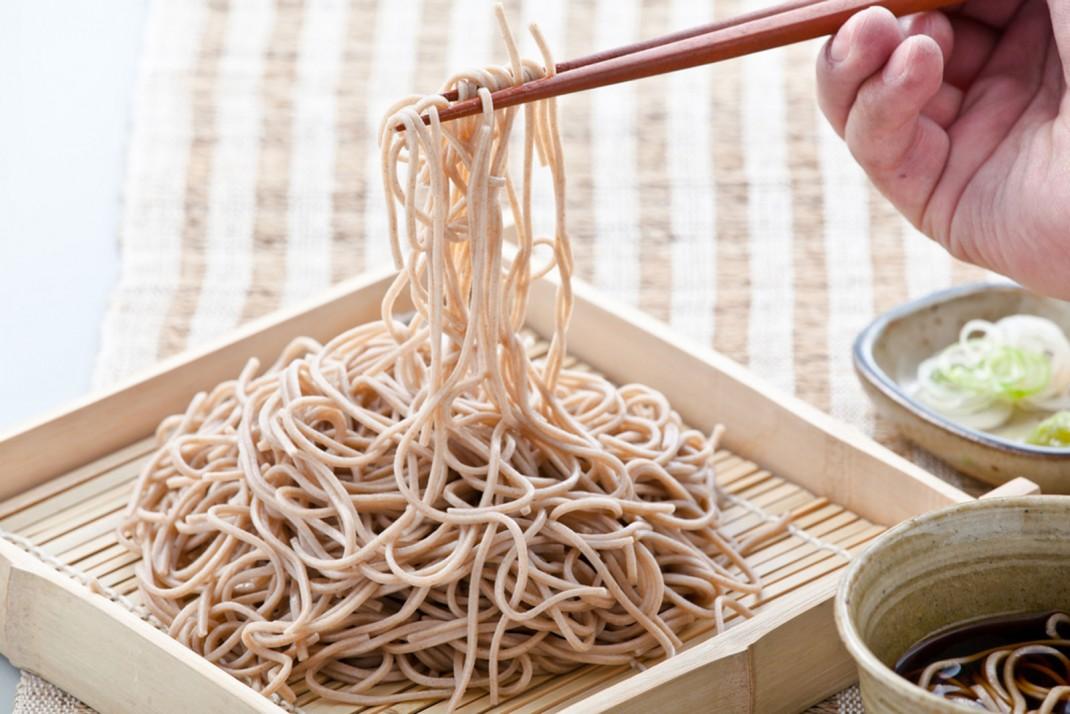 Spaghetti orientali un 39 alternativa gustosa silhouette donna for Cucinare konjac