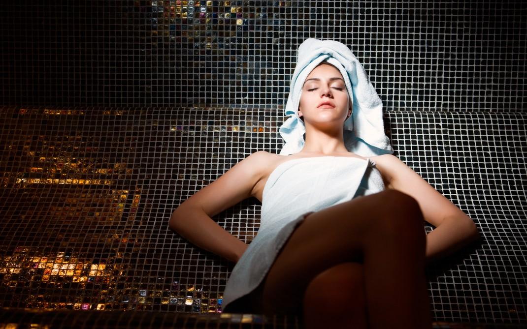 Bagno turco rilassante e detox silhouette donna - Sauna bagno turco differenza ...