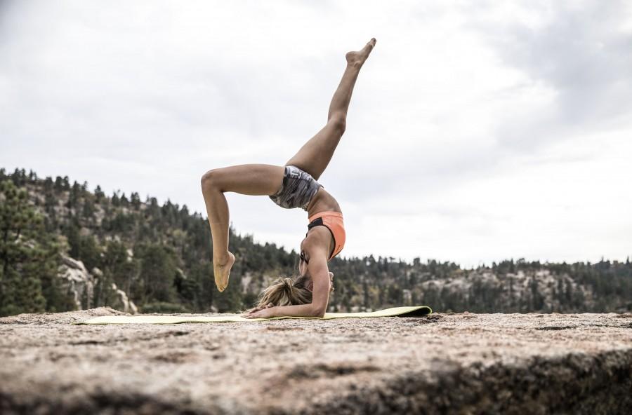 Yoga sulle braccia: scopri l'acrobata che c'è in te