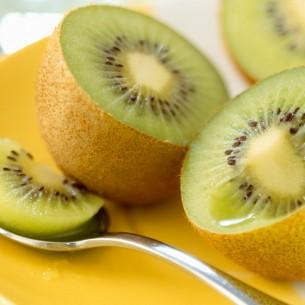 Kiwi: detox e anticellulite