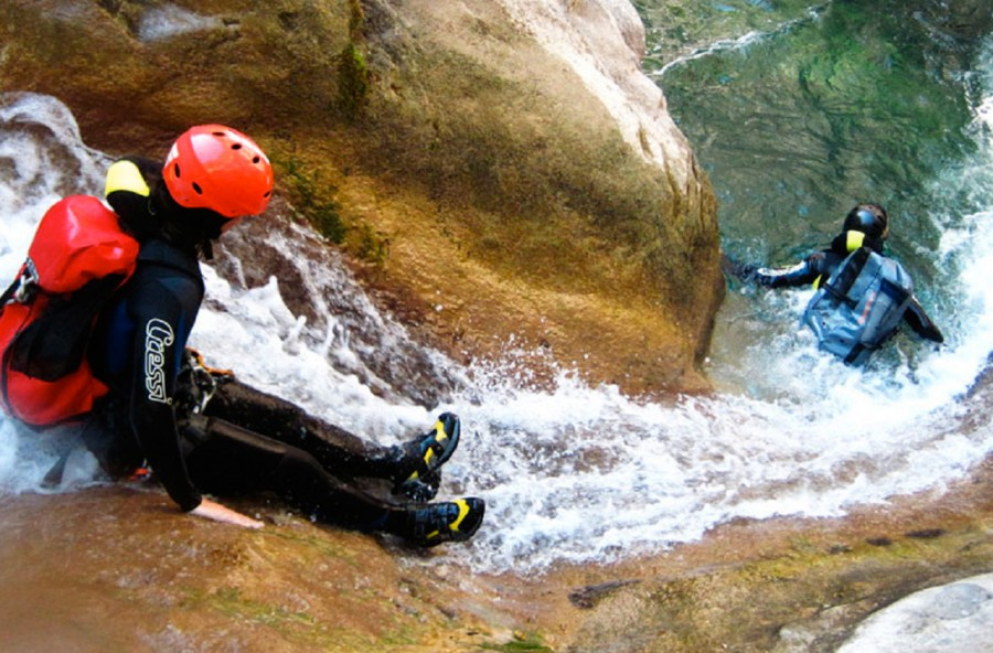 Canyoning: nuoto+ trekking+alpinismo. Pronta per una nuova avventura?
