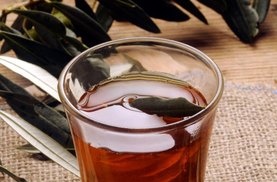 Pressione alta? Prova la tisana con le foglie d'olivo