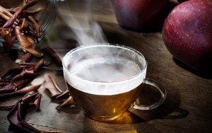 Tosse e raffreddore? Affrontali con la tisana alla mela