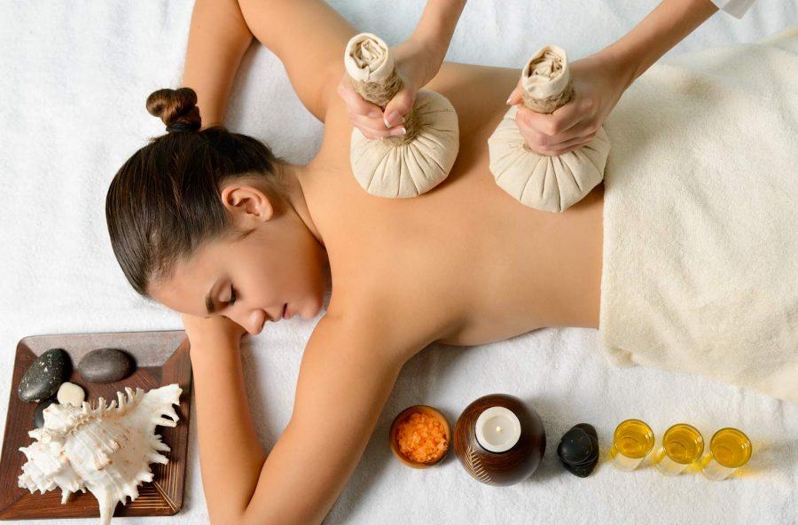 Cellulite: via gonfiori e pelle a buccia d'arancia con il massaggio thai