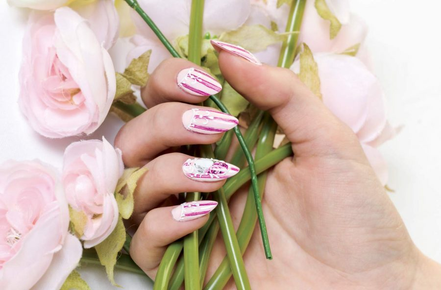 Nail art a tinte delicate