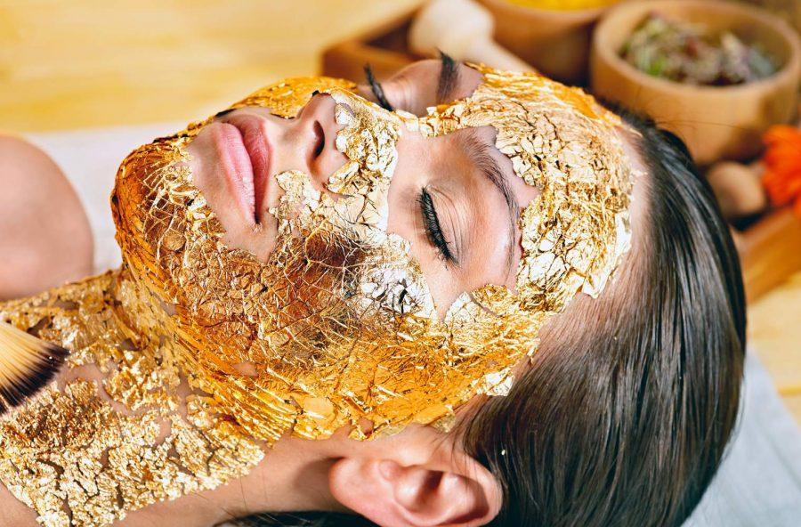 Massaggio con l'oro antiage
