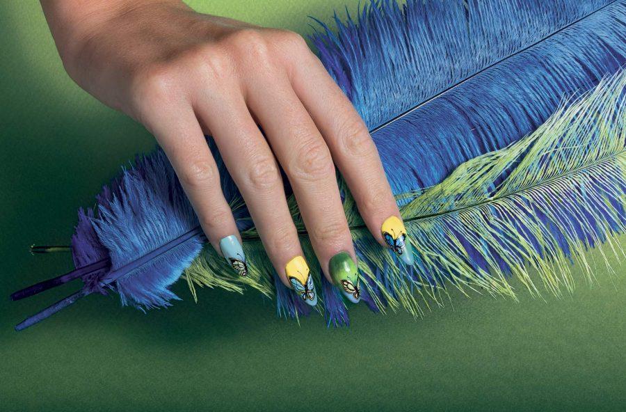 Nail art: farfalle greenery di primavera