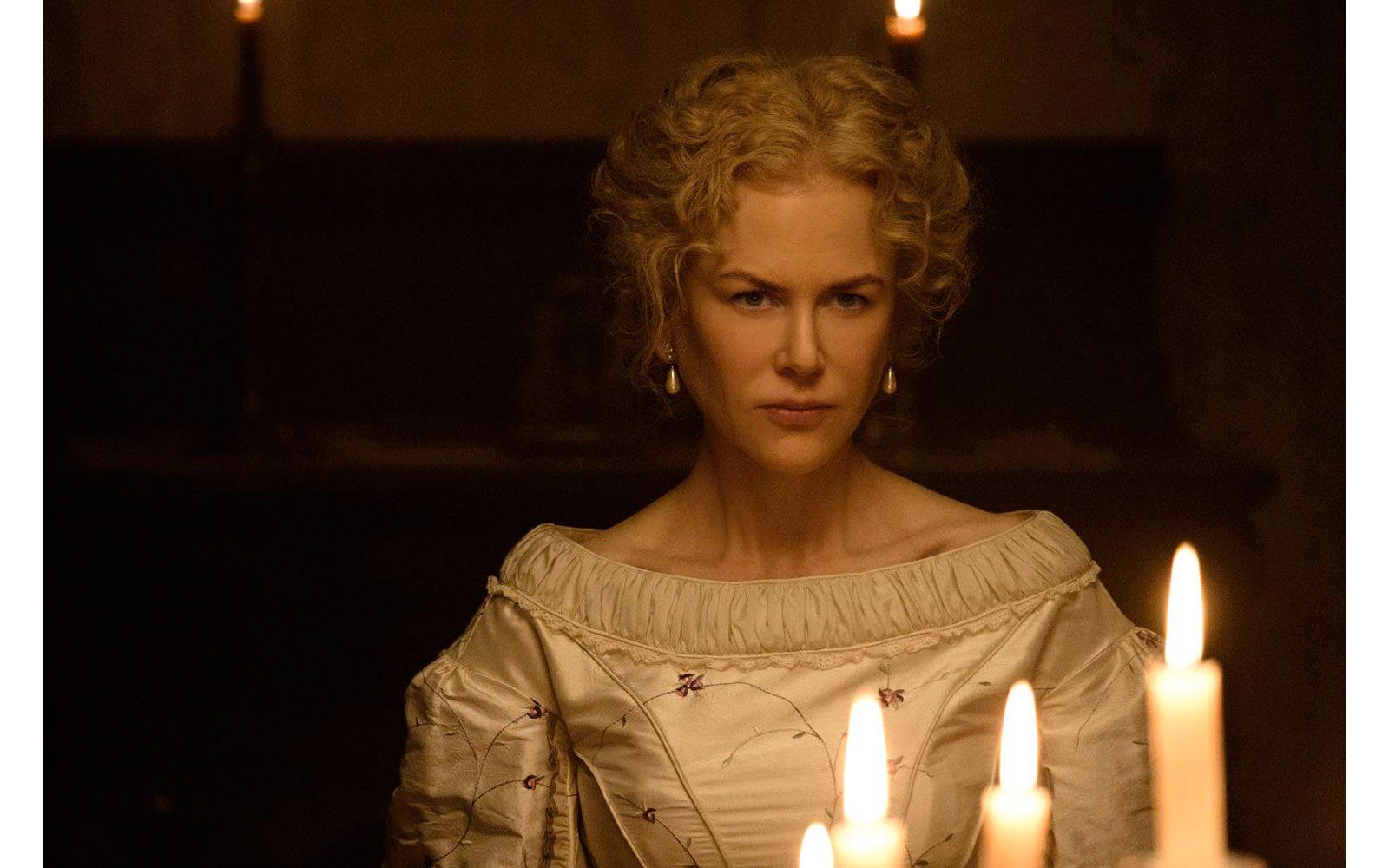 """Eccola in costume, fra corsetti e crinolina, in """"The beguiled"""" (2017), ambientato in un collegio femminile durante la guerra civile americana."""