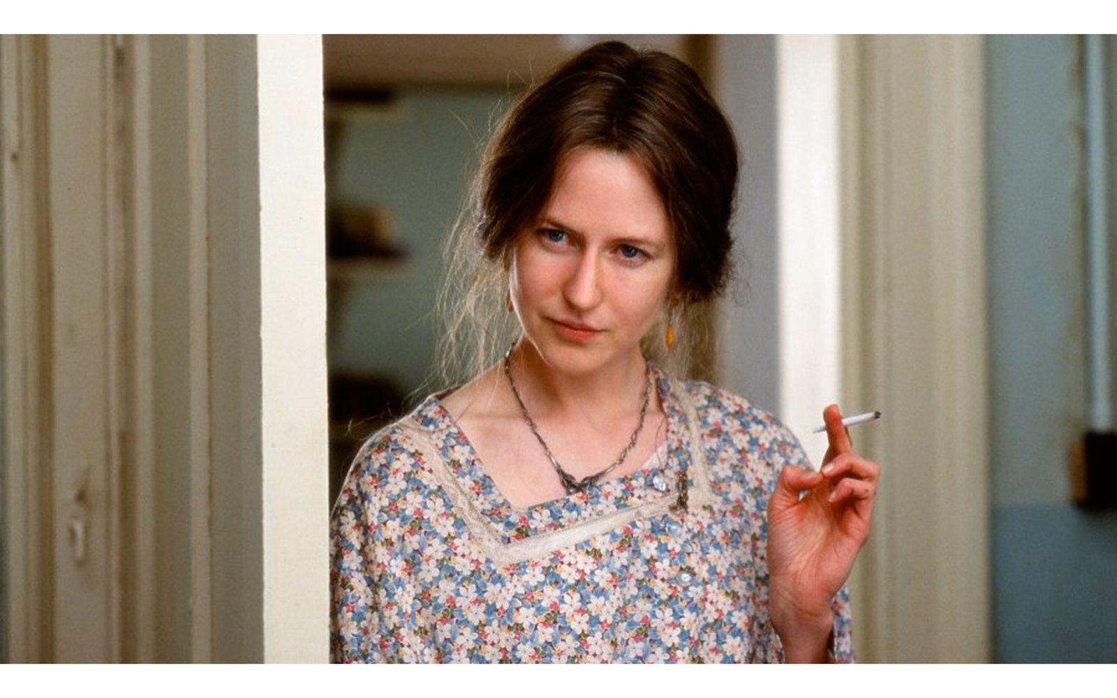 """""""The hours"""" (2002) è il film che le ha dato l'Oscar. Per il naso finto, dicono i maligni. Ma è davvero irriconoscibile nel look dimesso e avvilito con cui interpreta Virginia Woolf"""