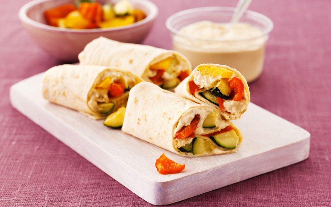 wraps-di-hummus-peperoni-zucchine