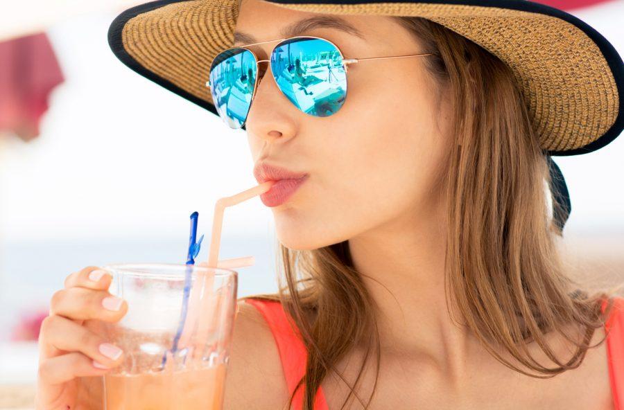 """Bevande anti-caldo: attenti ai """"falsi amici"""" che non dissetano"""