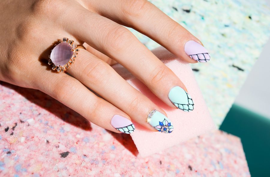 Nail art sofisticata color pastello