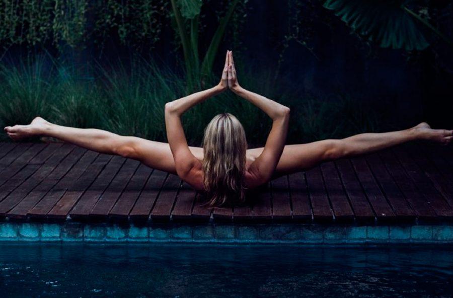 Migliorare la sessualità con lo yoga senza vestiti