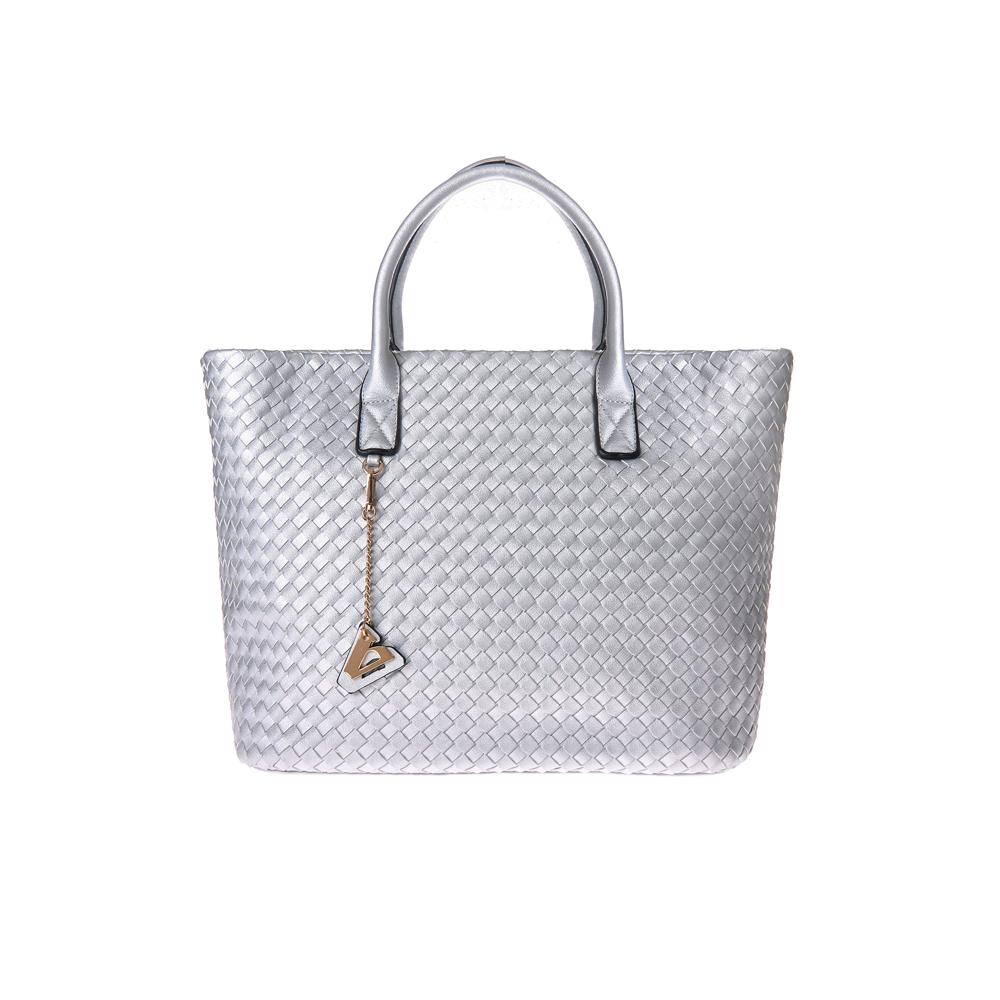 6725c8975b Valleverde – scintillante argento per la maxi shopper in pelle intrecciata  euro 79 www.valleverde