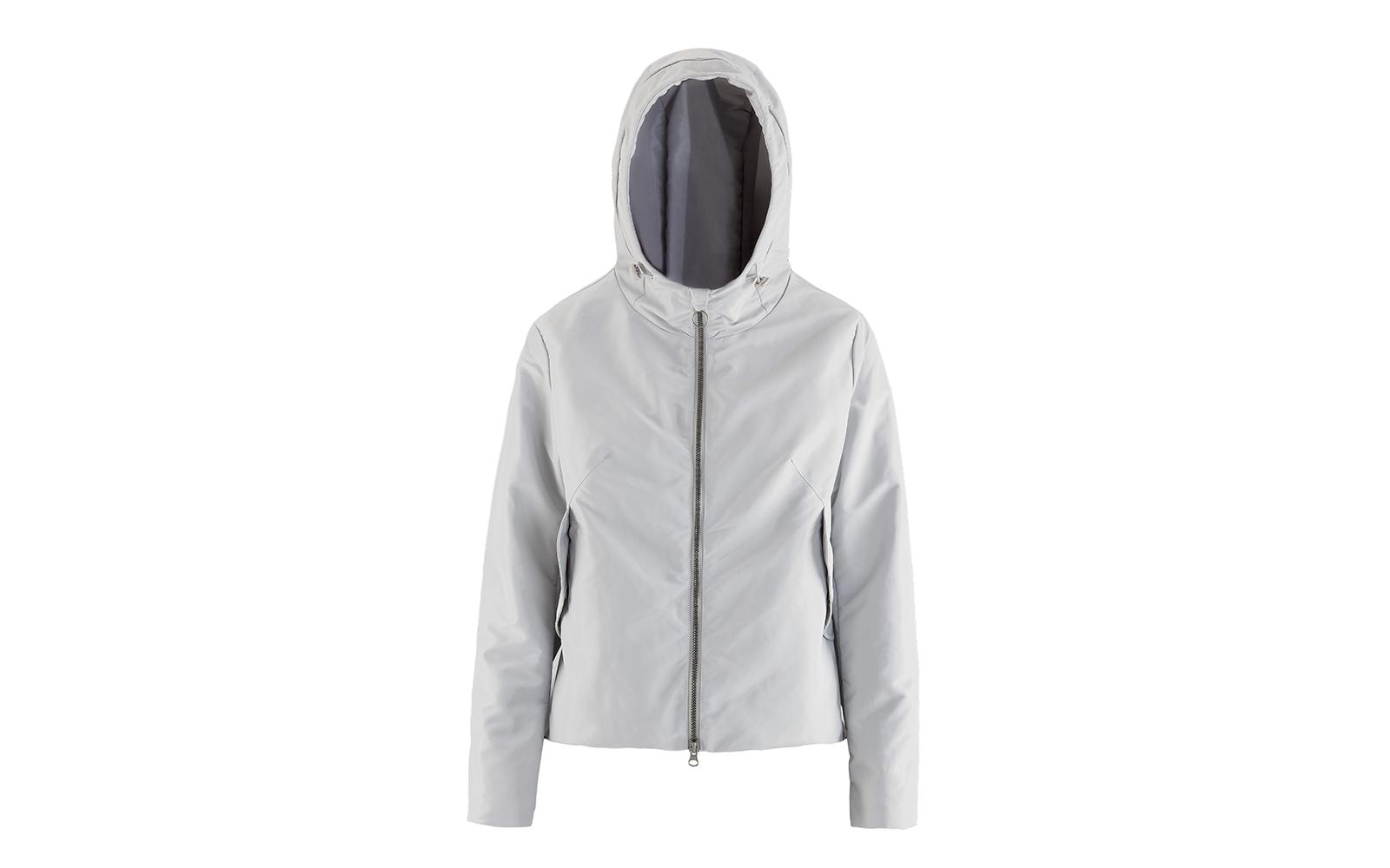 BOOMBOGIE  giacca in tessuto tecnico metalizzato, da tenere sempre con sé (euro 165) www.boomboogie.it