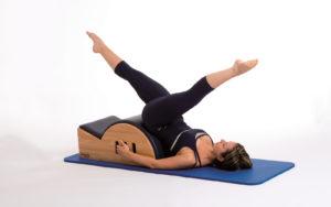 Pilates, pancia piatta con la Step barrel | Silhouette Donna