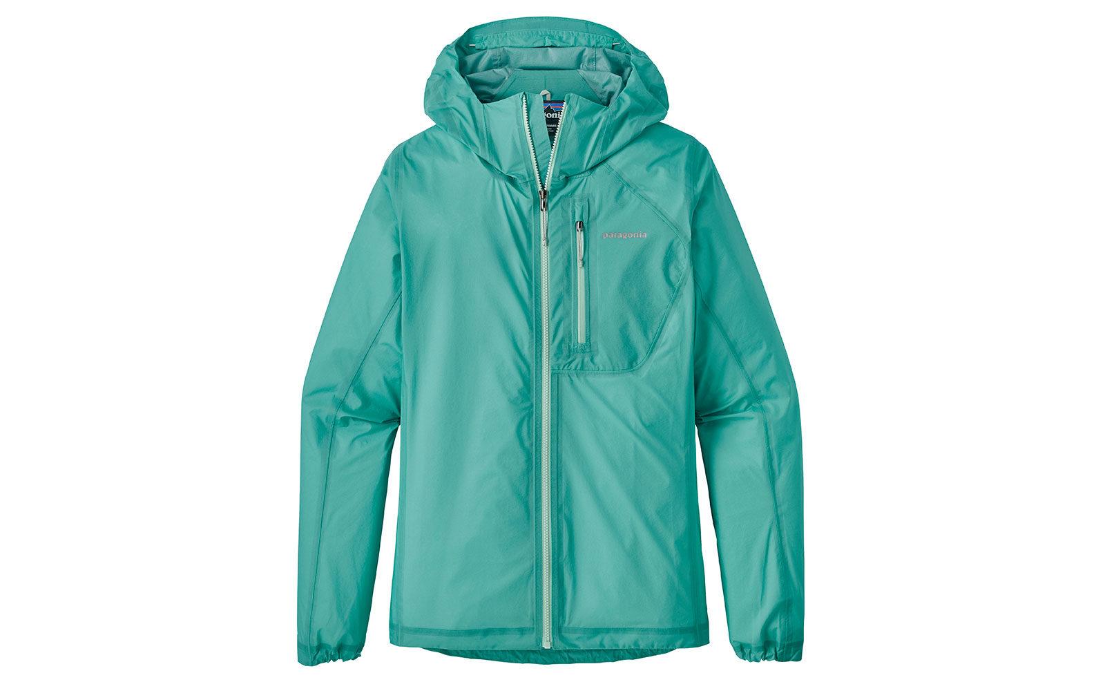 Patagonia W Storm Racer Jacket, superleggera in nylon ripstop 3 strati, con fodera interna in morbido tricot e tasca sul petto per contenere il capo ripiegato, euro 280