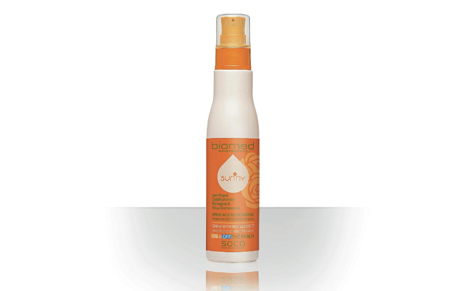 Addolcente grazie alle alghe marine, Sunny Biomed Hairtherapy Spray si usa anche prima dei tuffi (salone, 11 euro).