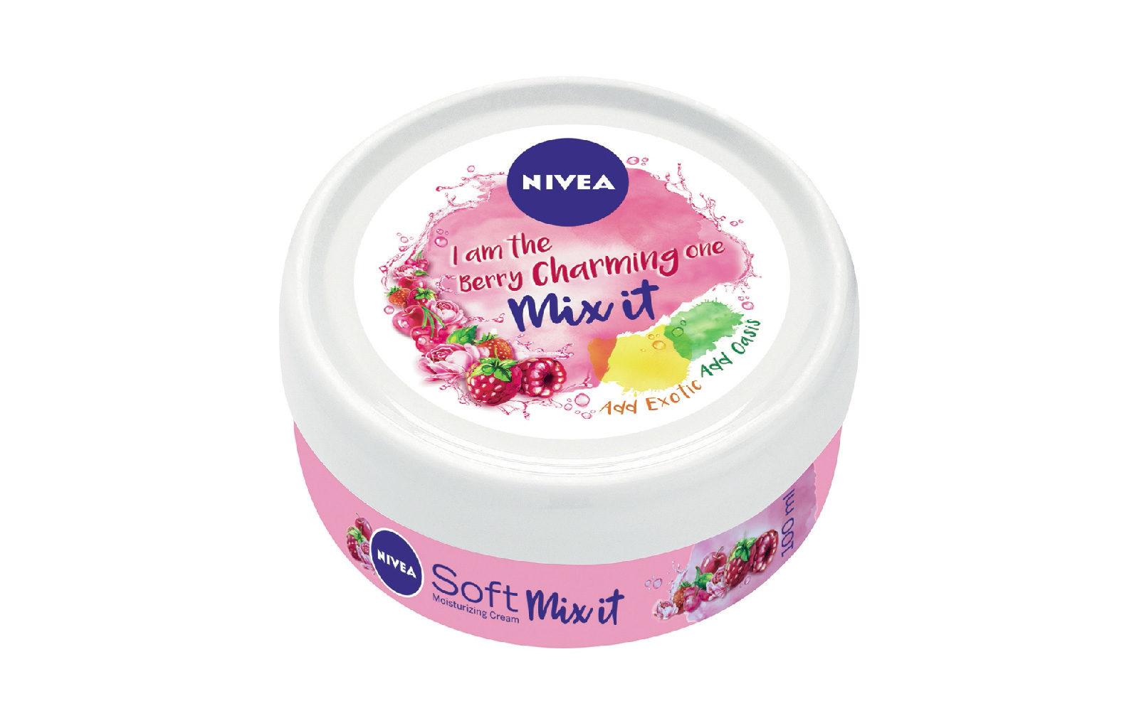 Nivea Soft Mix it si può usare come idratante viso e corpo o come rimedio S.O.S. (grande distribuzione, 2,49 euro).