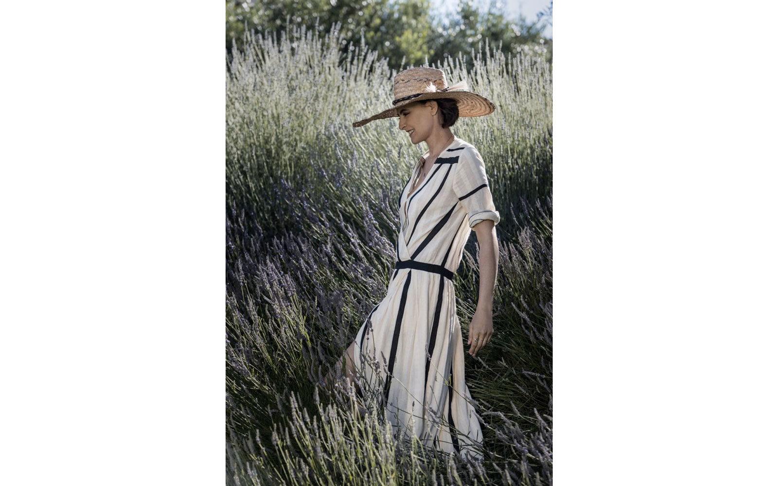 Il cappello in paglia è un accessorio fondamentale nel mood provenzale