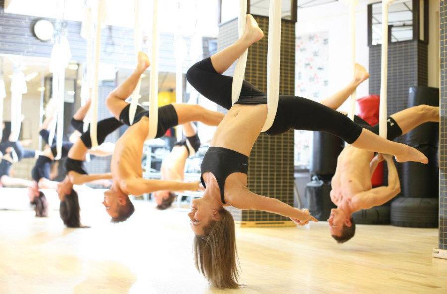 Antigravity yoga: cellulite bye bye con gli asana in sospensione