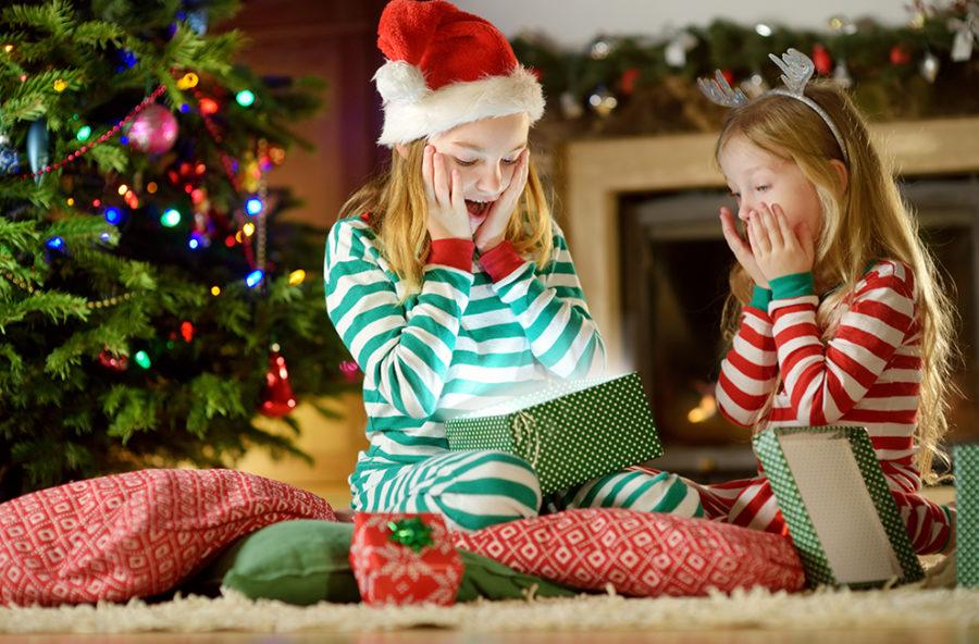 Bambini: è giusto regalare il cellulare a Natale?