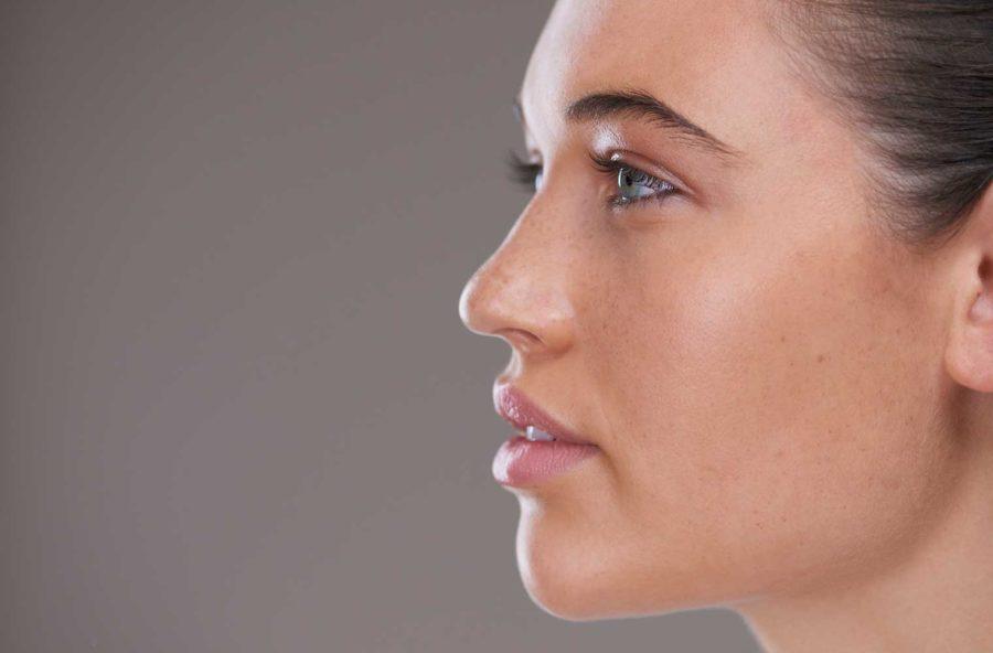 Laser e cosmetici per un viso più giovane