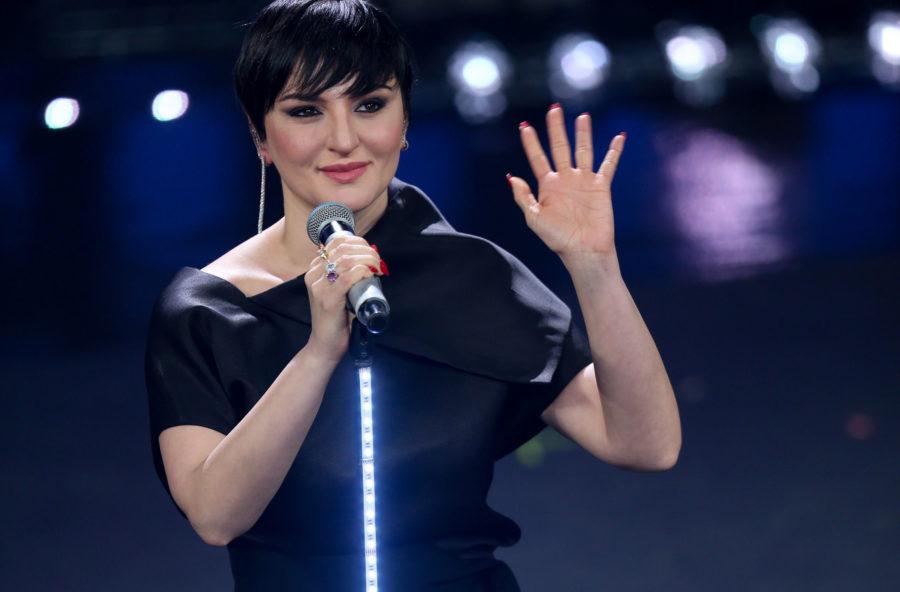 Sanremo 2019: copia il look magnetico di Arisa