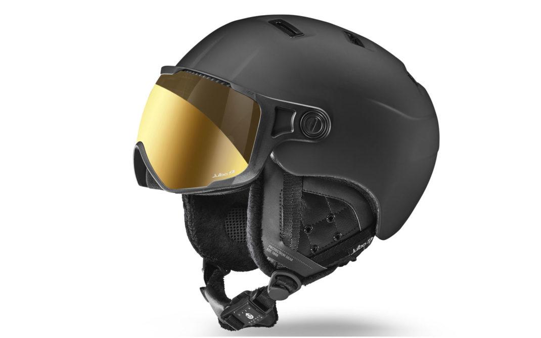 Julbo Sphere Connect, modello leggero e ventilato d'alta gamma con tecnologia Bluetooth (sistema integrato nel paraorecchie) e lente fotocromatica antiappannamento Zebra, euro 350