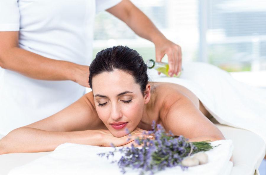 Rituale alla lavanda per un massaggio total body