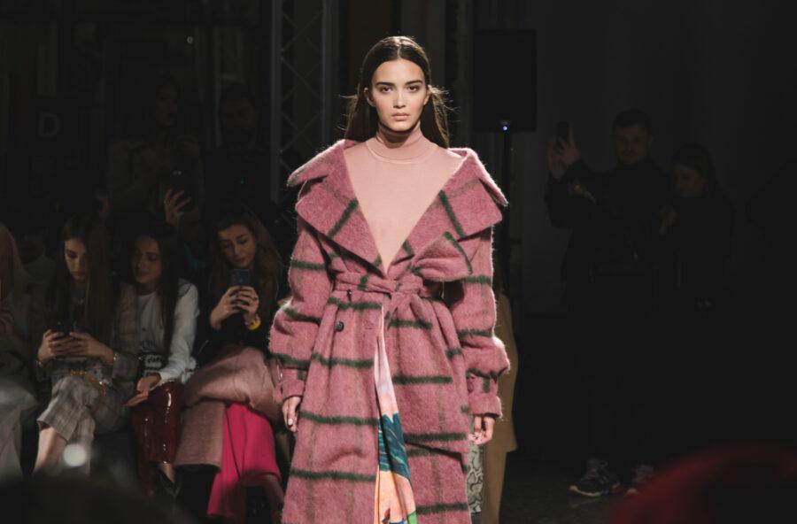 Milano Moda Donna AI 2019-2020: un tripudio di fantasie, ricami e tulle
