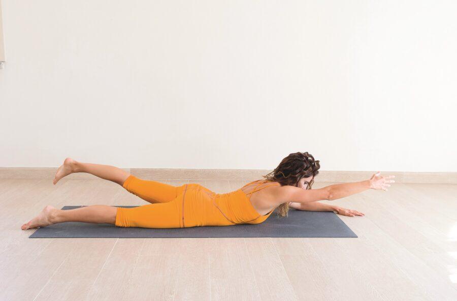 Yoga, la Locusta contrasta ritenzione e cellulite. E migliora anche il sesso!