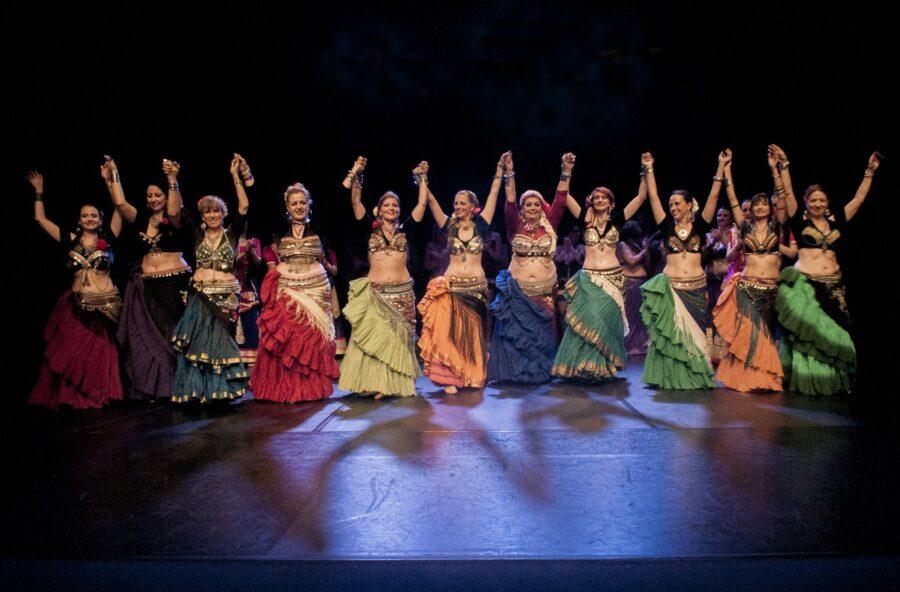 American tribal style: prova la danza fusion che esalta la femminilità