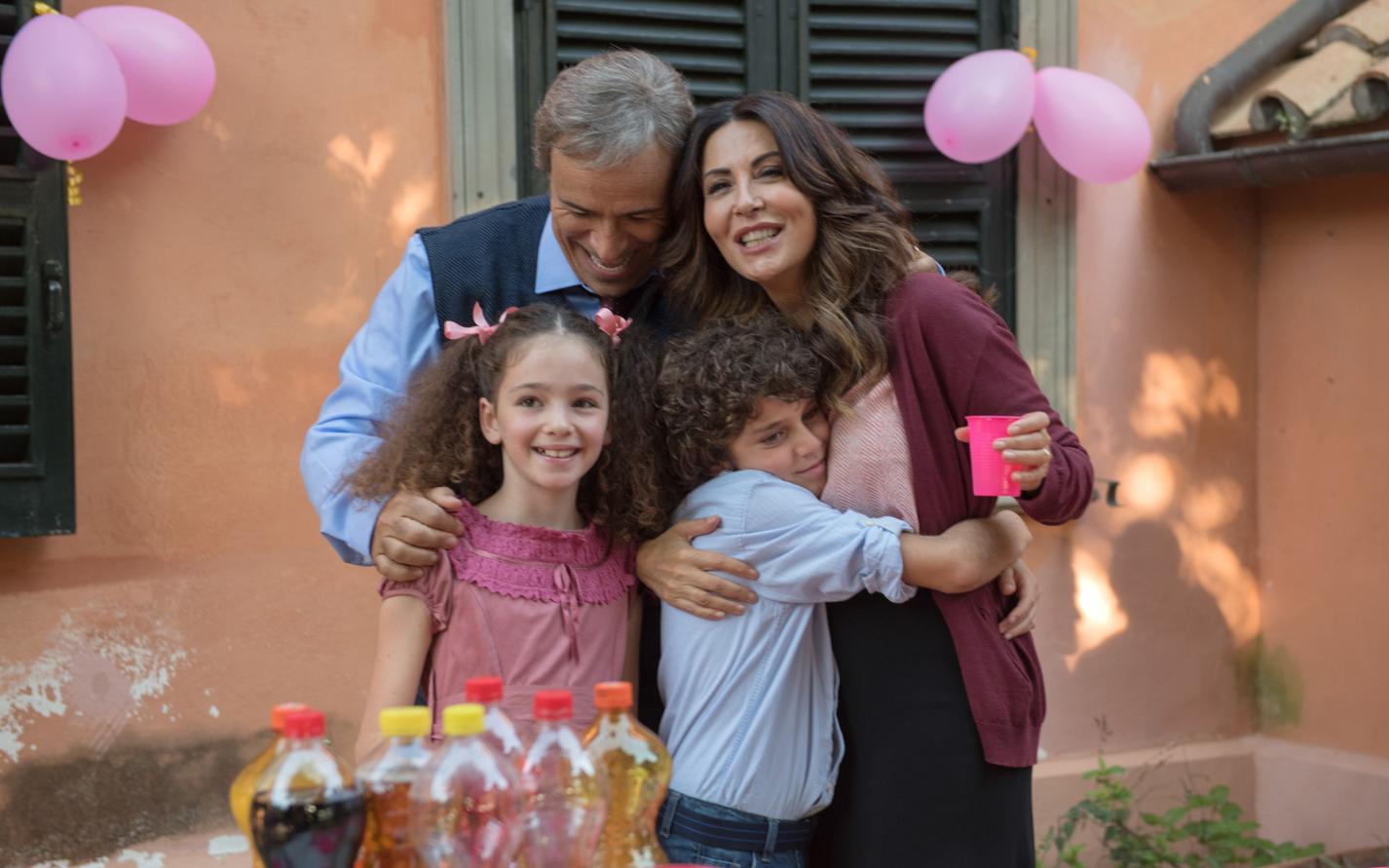L Amore Strappato Sabrina Ferilli Lotta Per Riprendersi Sua Figlia Silhouette Donna