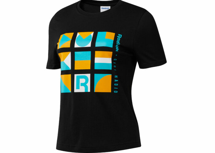 Reebok T-shirt Gigi, in cotone con grafica geometrica, e leggings con taglio a vita alta dal design color block asimmetrico, ispirati allo stile della top model Gigi Hadid. Euro 34,95 e euro 59,95.