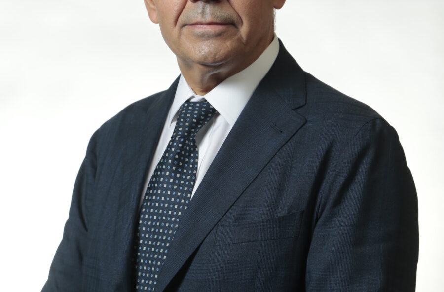 Professor Livio Luzi