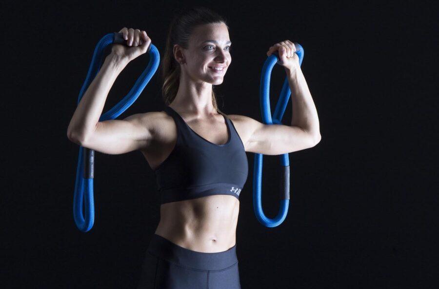 Push press con la Reax Chain per modellare spalle, braccia e pettorali