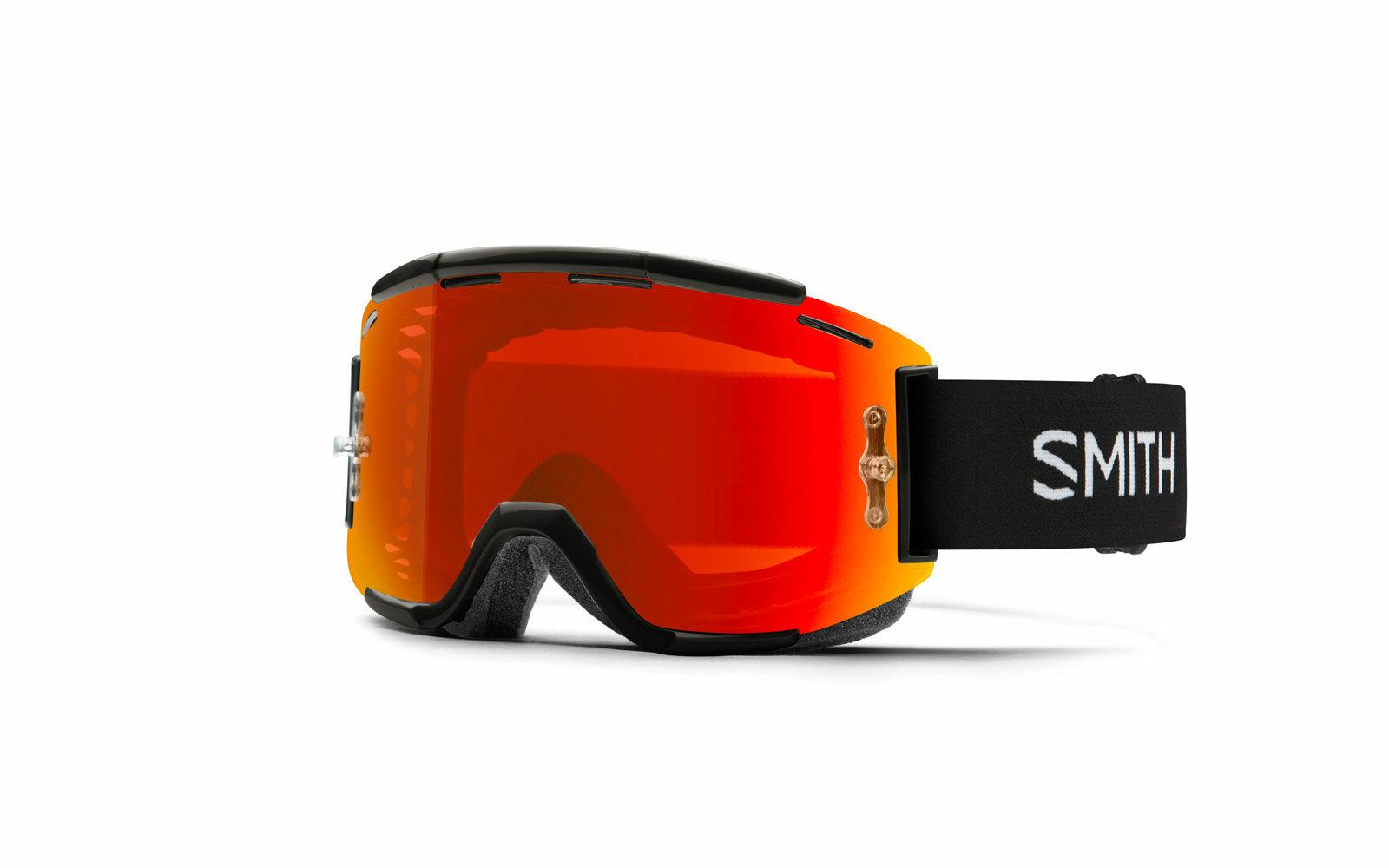 Maschera Smith Squad MTB, perfetta per la MOUNTAIN BIKE, ampio campo visivo, protezione da UV e da polvere o sassolini sollevati dal sentiero, lente specchiata ultraresistente, molto ventilata. Euro 100.