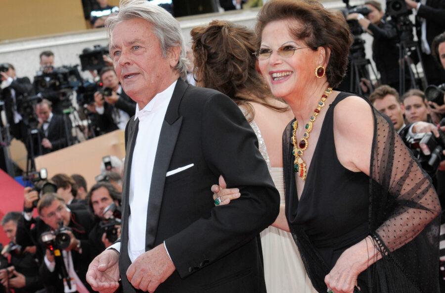 Cannes 2019, Palma d'oro ad Alain Delon preso di mira dalle femministe