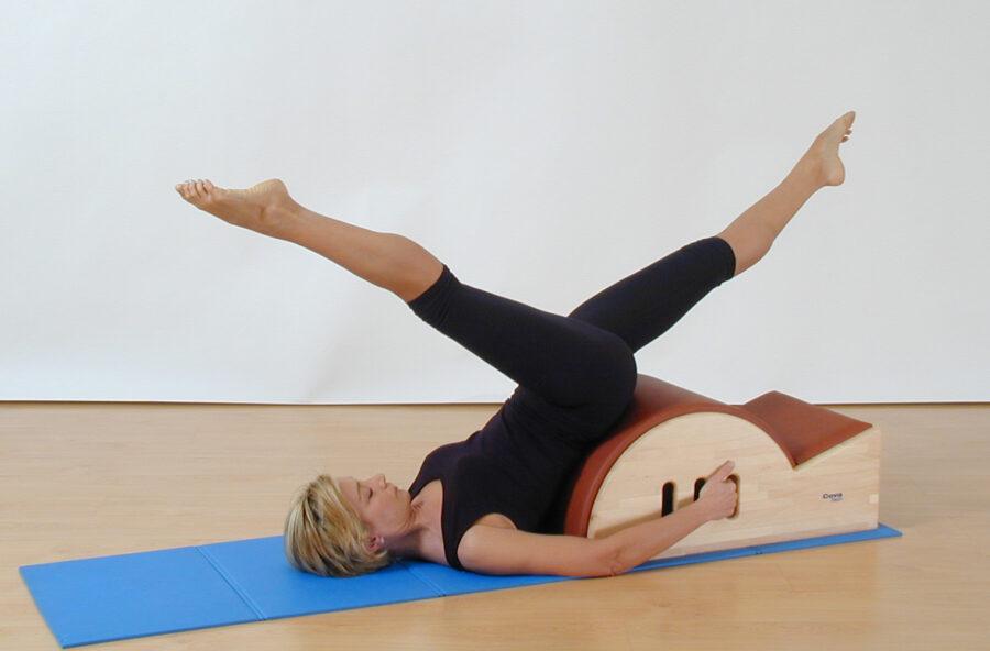 Pilates: Scissors sulla Step barrel anticellulite