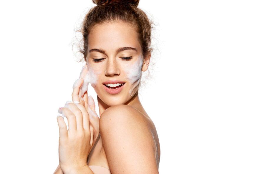 Beauty routine: scegli i cosmetici light