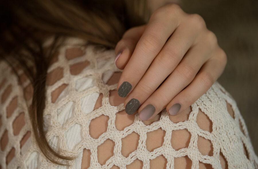 Nail art: l'eleganza dei colori neutri