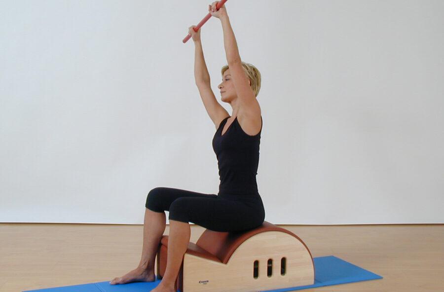 Pilates: Side to side sulla Step barrell per addominali tonici e schiena flessibile