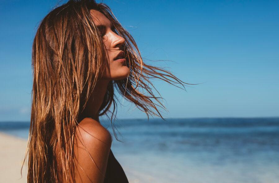 Capelli d'estate: rigenerali con un impacco