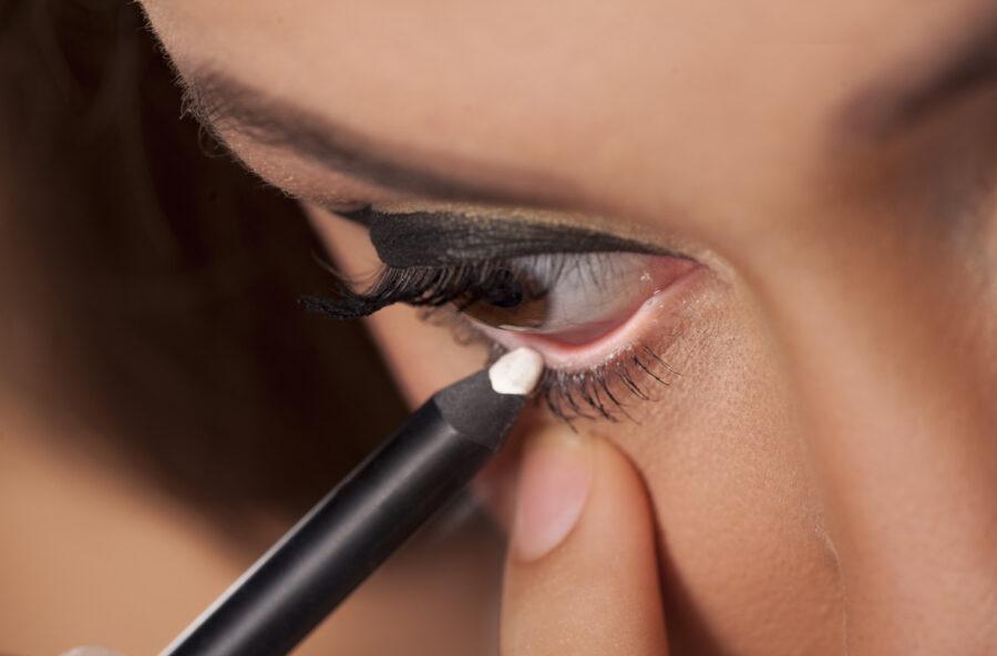 Make up: impara a usare la matita bianca