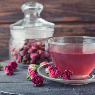 Tè ai petali di rosa, rinfrescante e detox