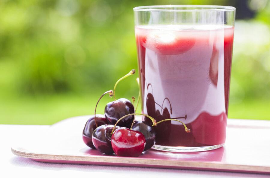 Dimagrire e disintossicarsi con il succo di ciliegia