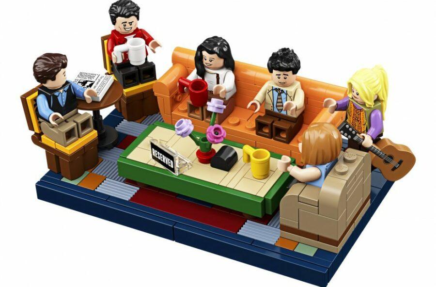 Friends: per il 25mo anniversario Lego ricostruisce Central Perk in mattoncini