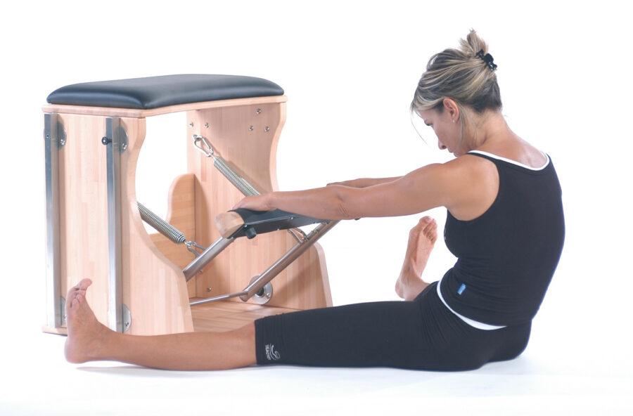Pilates: per rendere la schiena flessibile usa la Chair