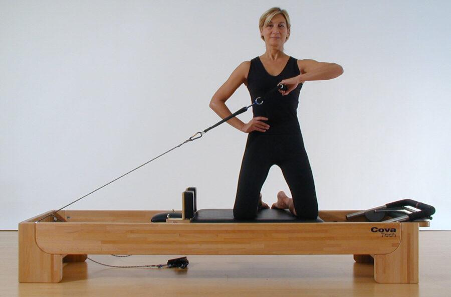 Pilates: Side Arms 1 sul Reformer per modellare i tricipiti e il punto vita